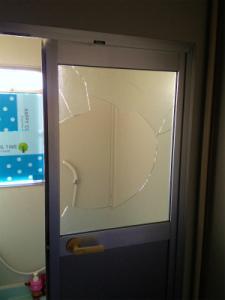 0130施工前,ガラス交換,修理,東淀川区