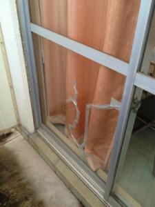 0208施工前3,ガラス修理,摂津市